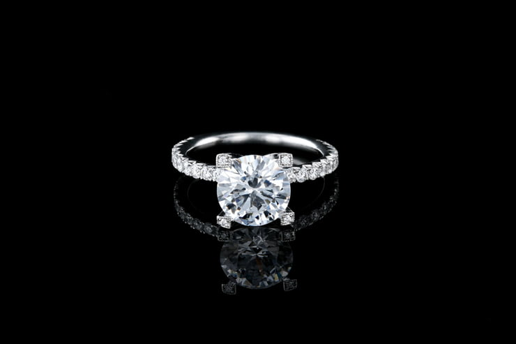 Round Solitaire Pave' Set V Prongs