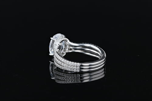 Oval Solitaire Wavy Pave' Bands