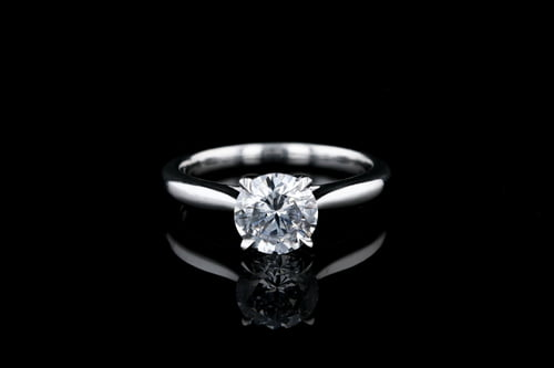 Classic 4 Prong Tapered Solitaire