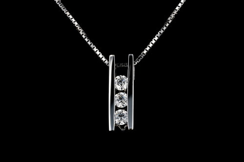 Medium Three Stone Diamond Bar Pendant