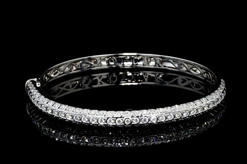 Artisan Pave' Diamond Bangle