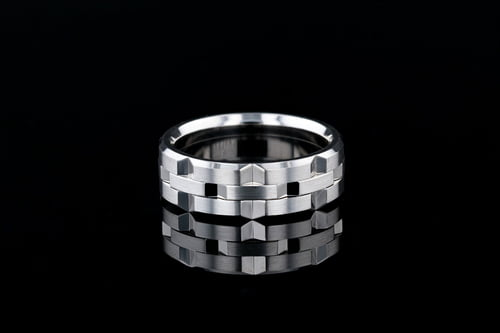 7.5mm Wide Solid Beveled Link Band