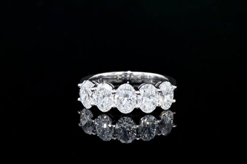 5 Ovals - Shared Prong Diamond Band