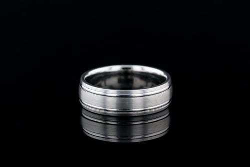 Classic 7mm Wide Matte Band, 2 Thin Shiny Rails