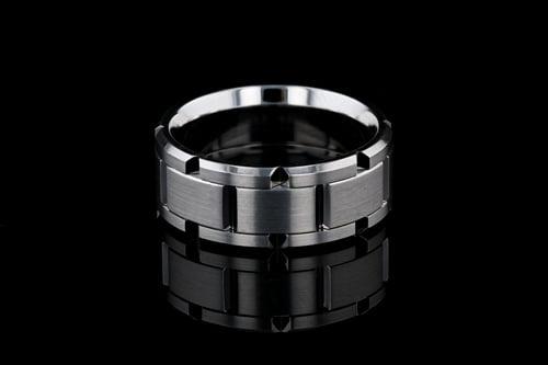 9mm Wide Solid Beveled Link Band